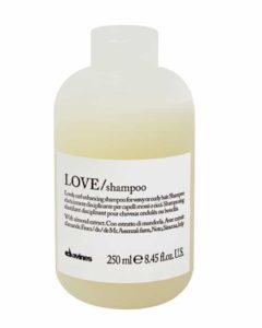 LOVE lokke rõhutav šampoon